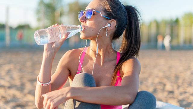 夏は、熱中症や脱水症状に注意を!